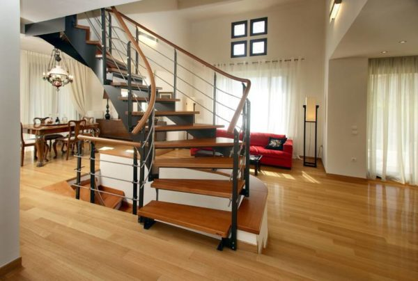 Металлическая лестница на второй этаж на заказ, ЛС-111