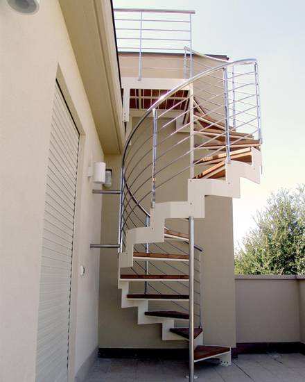 Металлическая компактная наружная лестница, ЛС-117