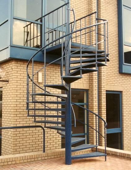 Металлическая винтовая пожарная лестница, ЛС-125