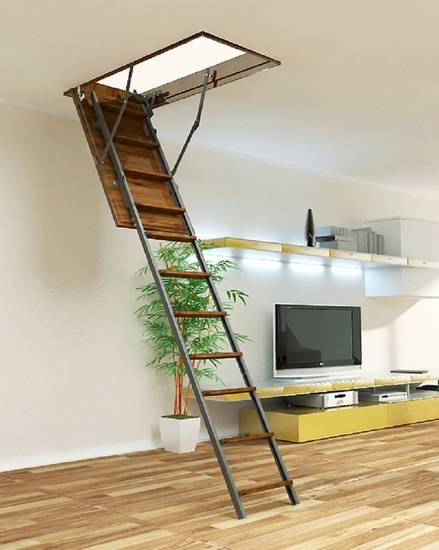 Металлическая чердачная лестница ЛС-130 с деревянными ступенями