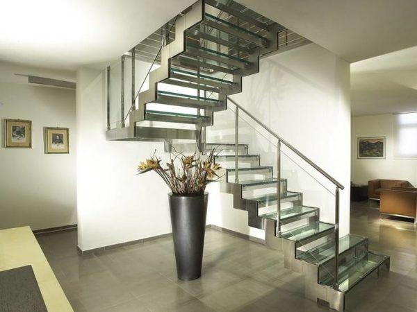 Стеклянная П-образная лестница на второй этаж, ЛС-133