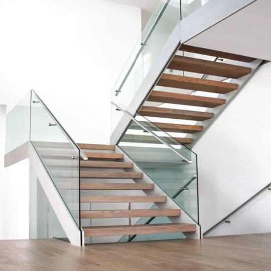 Стеклянная П-образная лестница на заказ, ЛС-138