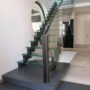 Стеклянная прямая лестница на заказ, ЛС-140